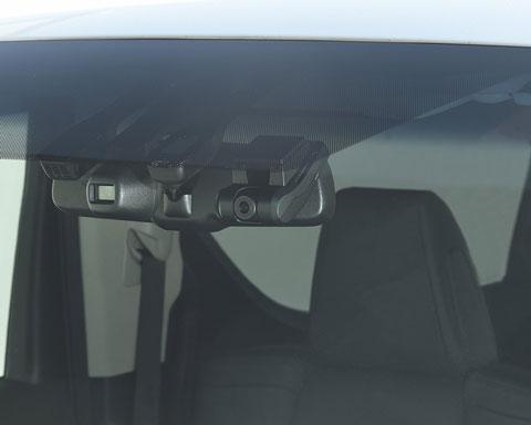 HDR-751Gをフロントガラスの前から見たところ
