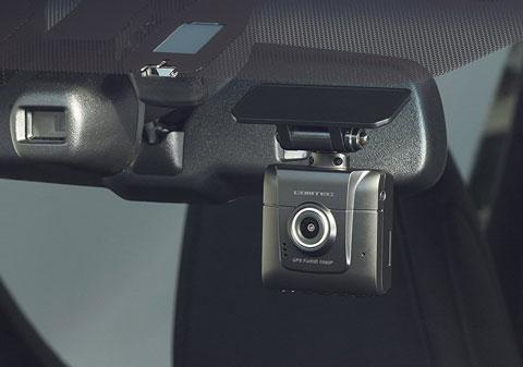 コムテックZDR-014ドライブレコーダーをフロントガラスに取り付けたところ